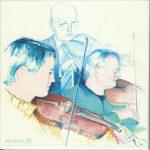 Bild: drei Geige spielende Generation: Enkel, Sohn, Vater